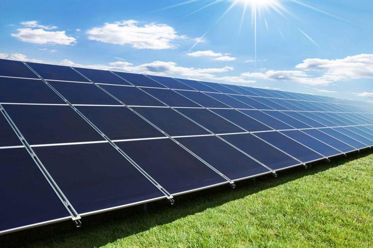برق خورشیدی در چین از برق سنتی ارزانتر است