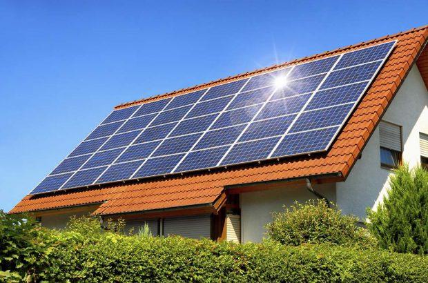 کاهش ۲۵ درصدی مصرف برق با نصب پنلهای خورشیدی